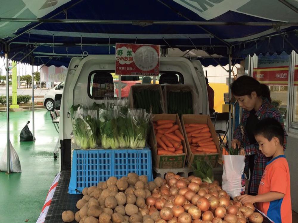 野菜市の様子3